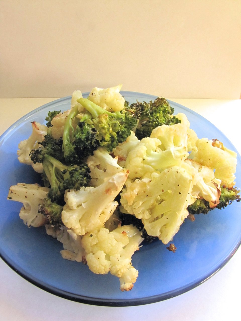 Roasted Garlic-Parmesan Cauliflower and Broccoli