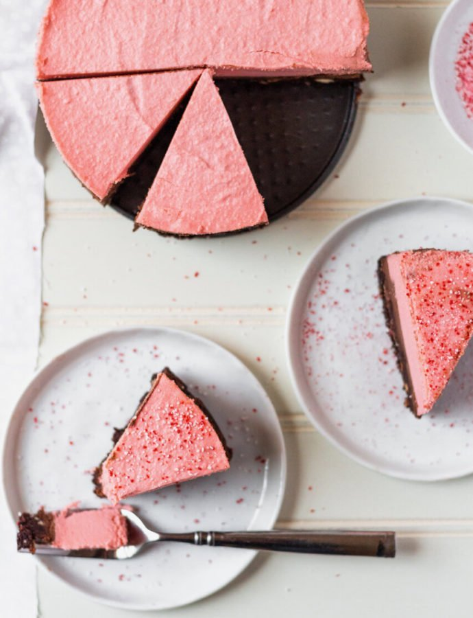 Vegan Chocolate Peppermint Cheesecake
