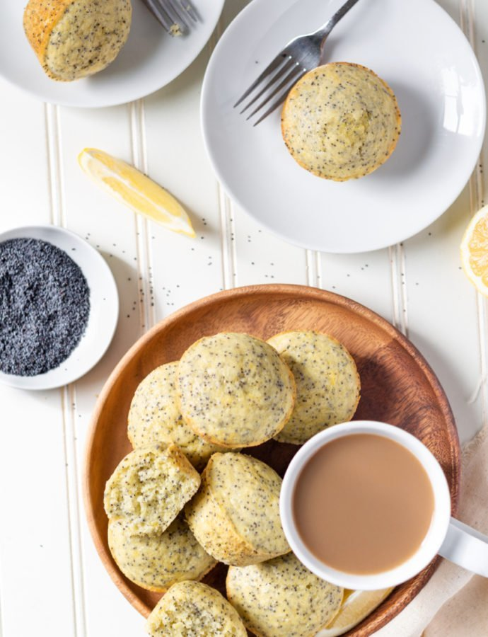 Fluffy Lemon Poppyseed Muffins