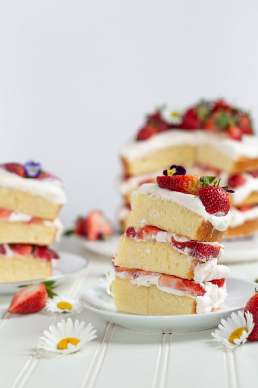 strawberry shortcake cake slices