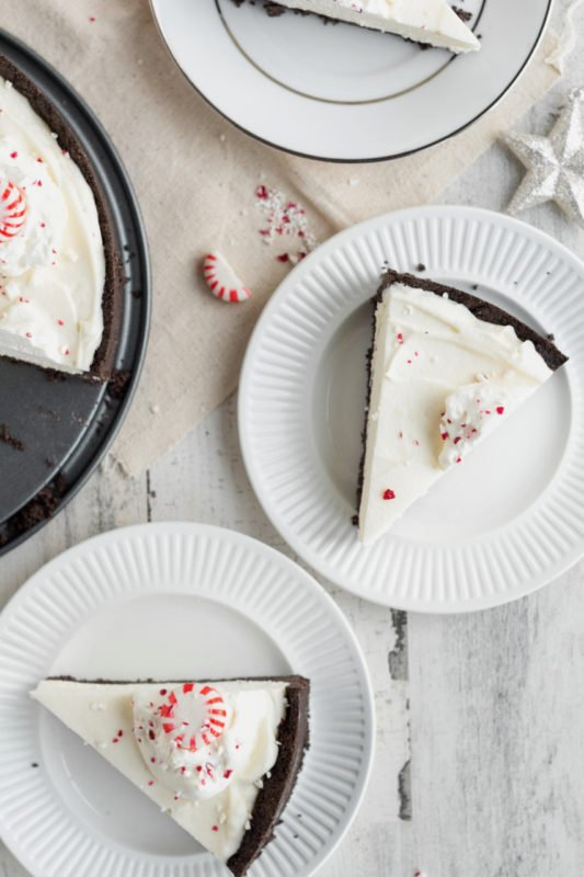 Peppermint White Chocolate Mousse Pie